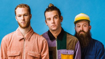 Judah and the Lion (Photo copyright Connor and Rachel Dwyer)